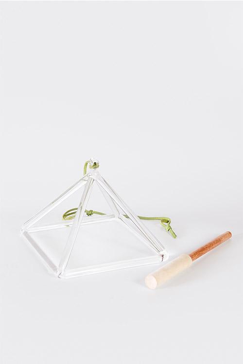 pirâmide de cristal 203