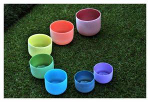 tigelas de cristal coloridas